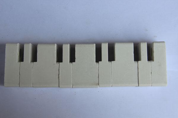 母线绝缘垫块34-58夹8八线制